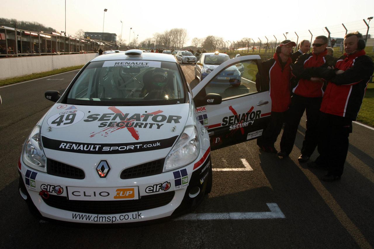 Clio Cup Brands hatch