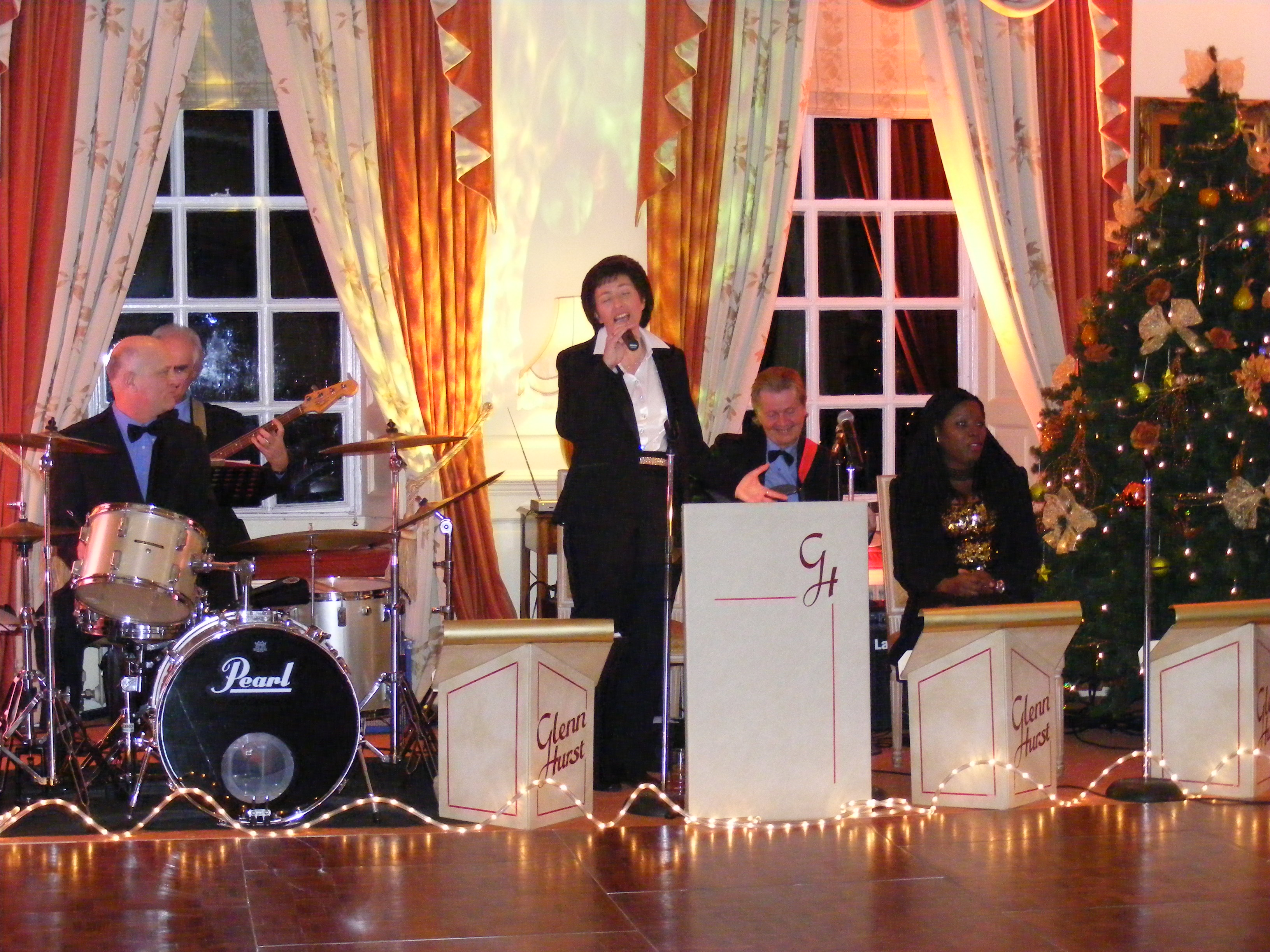Glenn Hurst house band