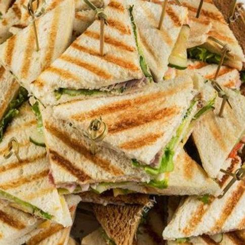 Мини сэндвичи с ветчиной и сыром 4шт.
