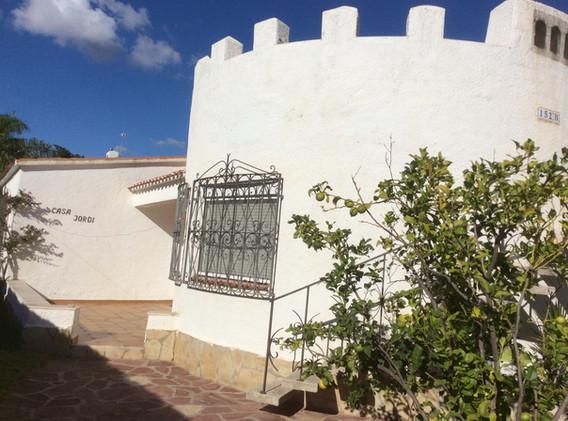 Villa Jordi mit Turm
