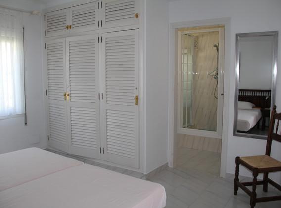 Schlafzimmer 3 mit Dusche WC