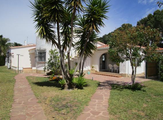 Villa Jordi und Garten