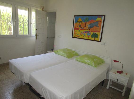 Schlafzimmer 1 mit WC und Dusche