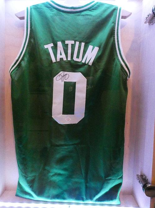 Jason Tatum aláírt Boston Celctics mez