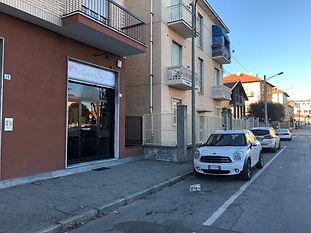 Vendita negozio con vetrina Grugliasco
