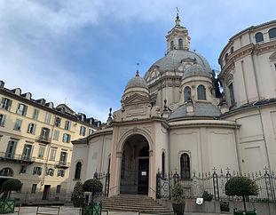 Vendita ampio trilocale via della Consolata Torino