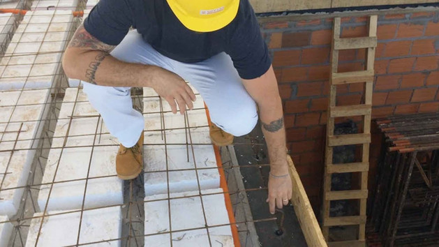 Concretagem da laje em estrutura metálica