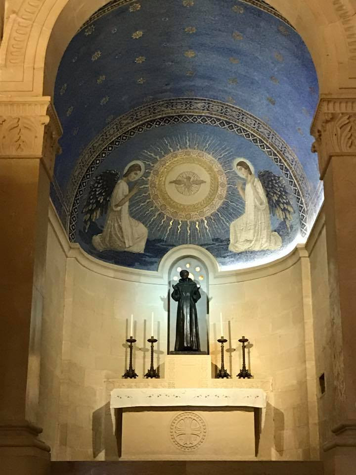 Below:  Blessed Sacrament Chapel in the Basilica of the Transfiguration