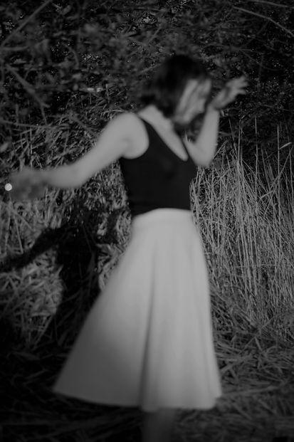 Emma Lomy, perfomance artist, actor, dancer, musician, singer, writer and photographer