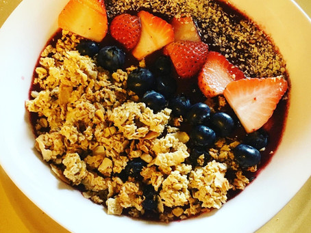 Granola Very Berry Bowl