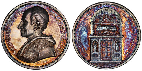 101603     ITALY. Prisoner in the Vatican. Pope Leo XIII silver Medal.