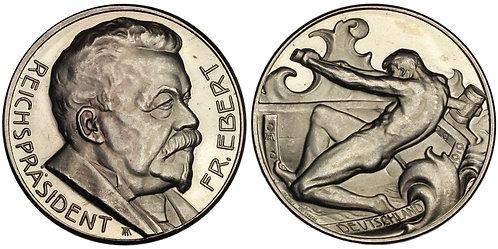 101083  |  GERMANY. Reichspräsident Friedrich Ebert silver Medal.