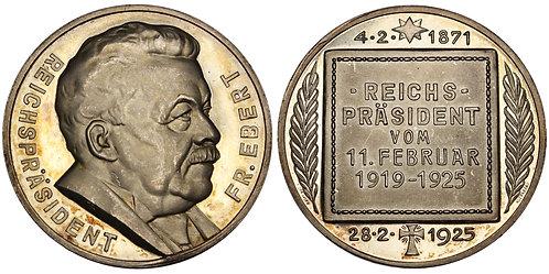 101212  |  GERMANY. Reichspräsident Friedrich Ebert silver Medal.