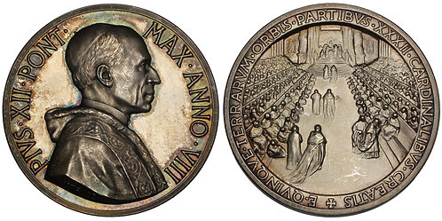 101069  |  ITALY. Vatican City. Pope Pius XII silver Medal.