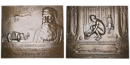 101561     FRANCE & SCOTLAND. John Boyd Dunlop large bronze Plaque.