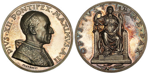 101087     ITALY. Vatican City. Pope Pius XII silver Medal.