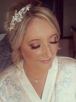 #bridalmakeup #weddingmakeup #makeupartist #mua #macpigments #bobbibrown #airbase #airbrushmakeup #ardelllashes #glowyskin.jpg