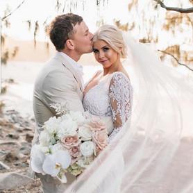 Bridal Makeup by Lara Quinn  Tweed Coast Weddings