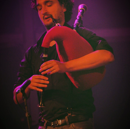 bagpipe playing live aibeo