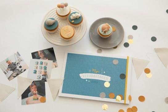 Maan Amsterdam - Mijn verjaardagenboek blauw