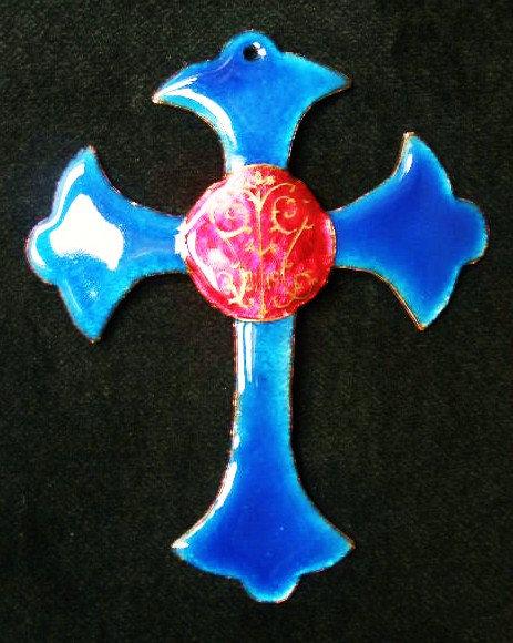 Croix festonnée