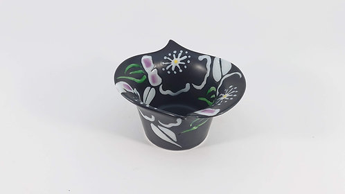 カラー型釉象嵌花絵小鉢