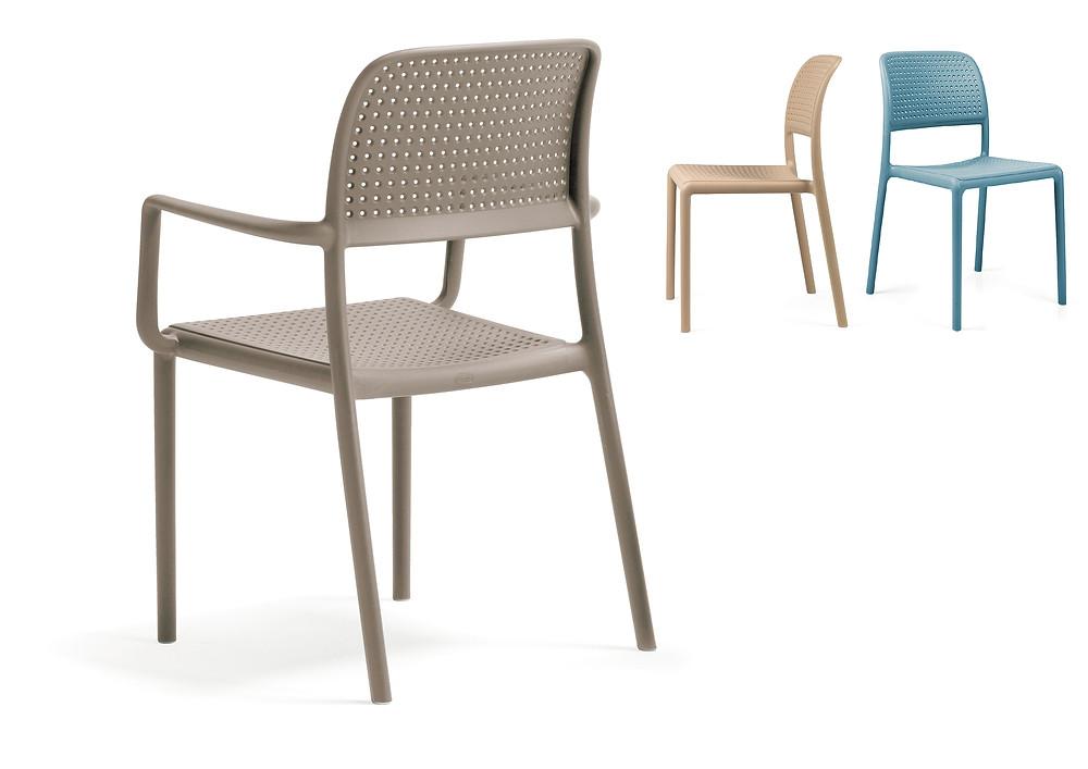 כסאות פלסטיק במבחר גוונים