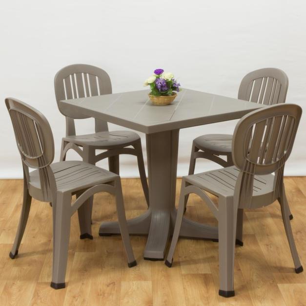 ריהוט למרפסת שולחן גיוב 80 כסאות פלסטיק אלבה