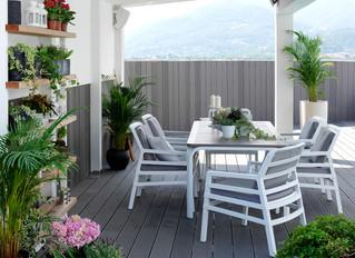 צמחים ירוקי עד למרפסת – המשלים של ריהוט גן