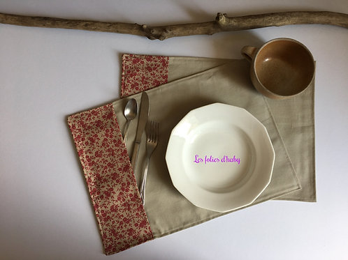 Sets de table rouge-bordeaux-taupe