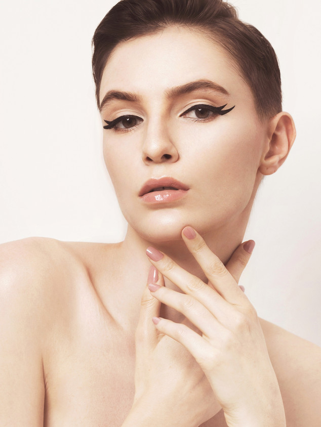 Makeup-Artist-Singapore-Nicole-Nikoru-Be