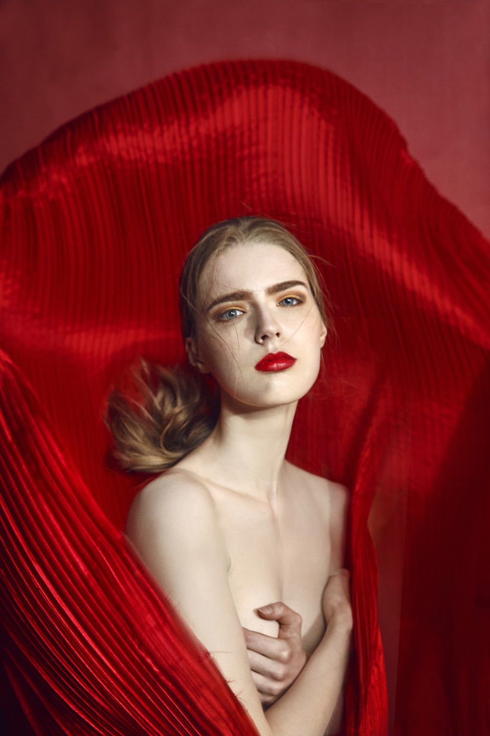 Red-Imirage-magazines-makeup-artist-fash