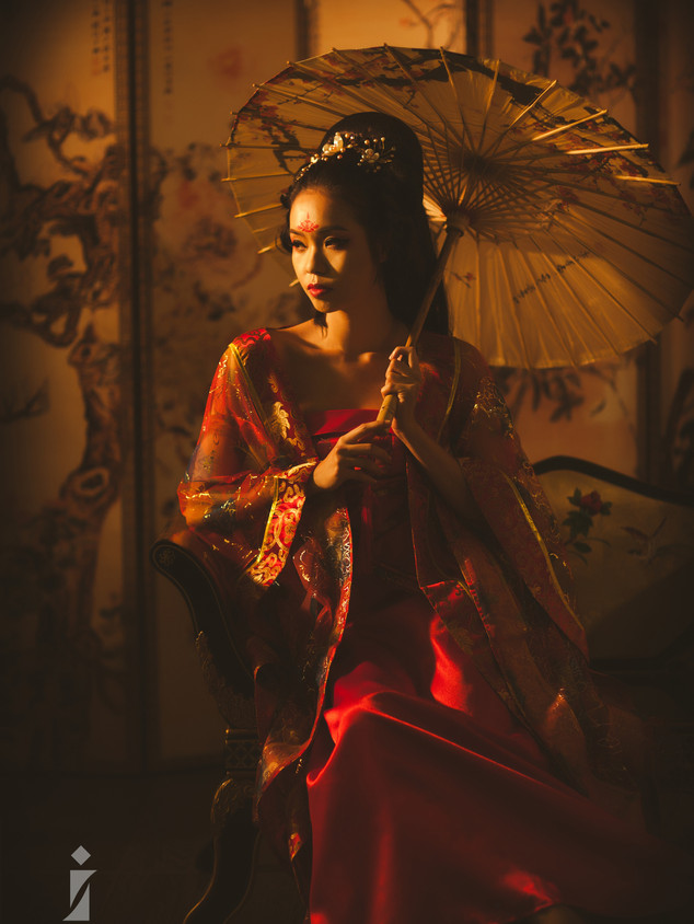 Chinese Traditional Beauty Hair and Makeup