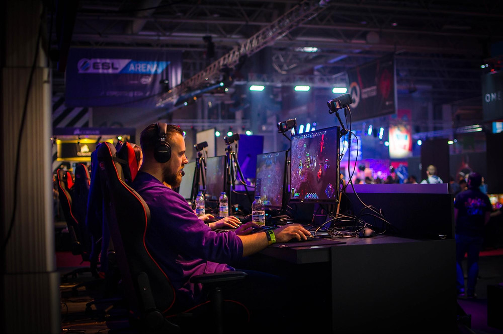 Esports competition photo by Jamie McInall sourced via Pexels