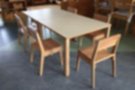 Stapelstuhl für Kindergarten Echtholz Buche