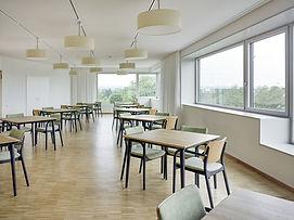 Seniorenresidenz Möblierung Holzstuhl