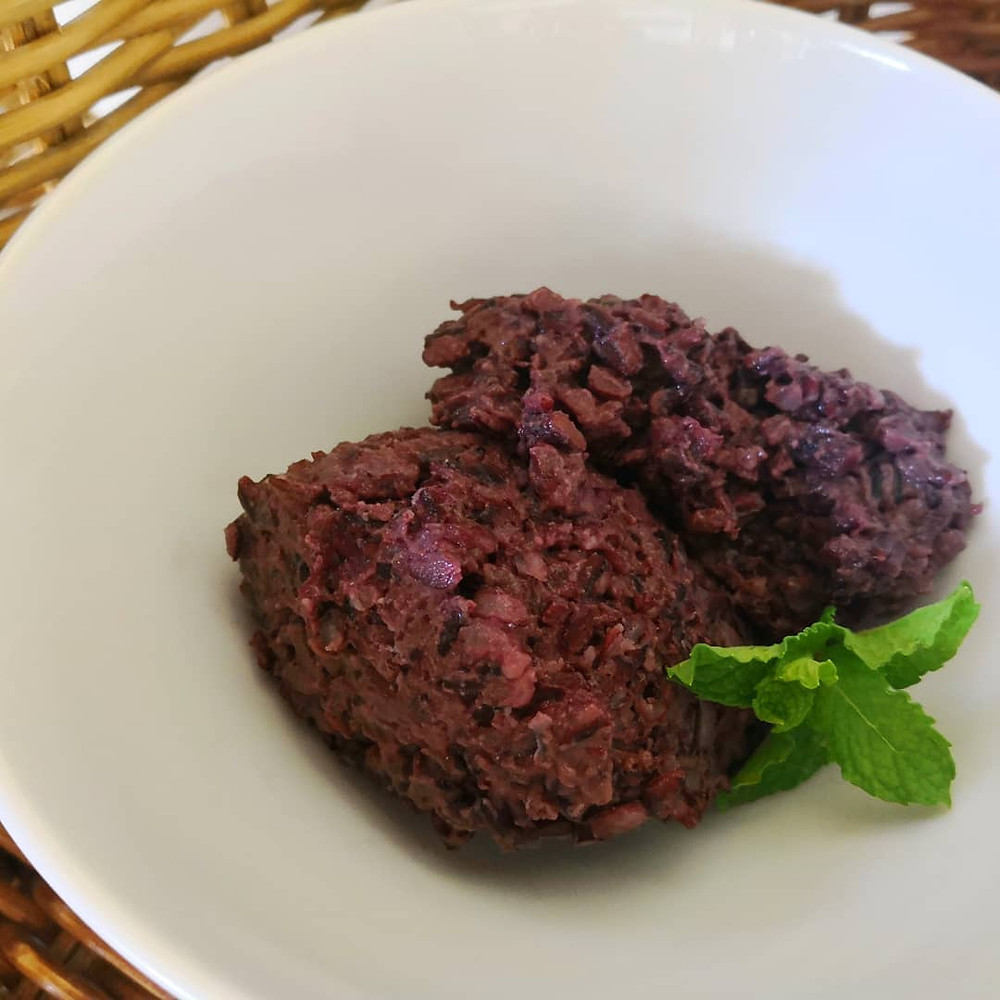 Black sticky rice pudding - full of fibre and health protective nutrients
