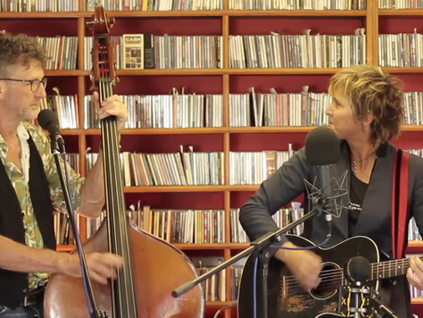 Annie Keating video of Coney Island at Under The Apple Tree, with Steve Mayone