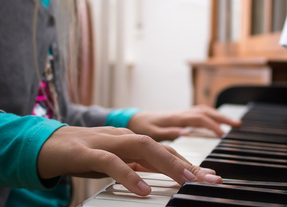 30-Min Group Lesson (Piano): Annual Membership + 1st Month Tuition