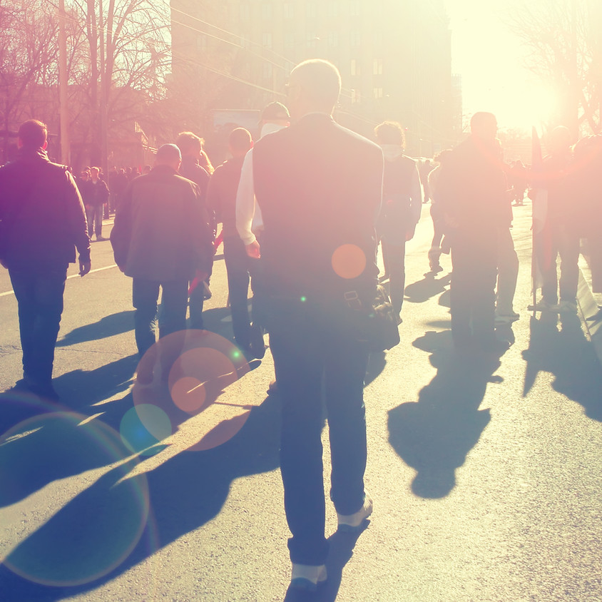 """Protestkundgebung """"Saubere Schulen"""" vor dem Neuköllner Rathaus"""