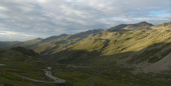 cars driving on Fluela Pass