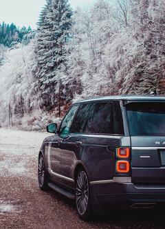 range-rover-vogue-in-snow.jpg