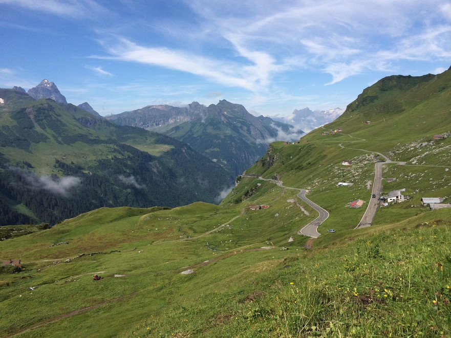 View over Klausen Pass in the Swiss Alps