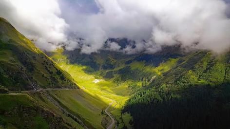 Scenic roads in Fagarasan Mountains