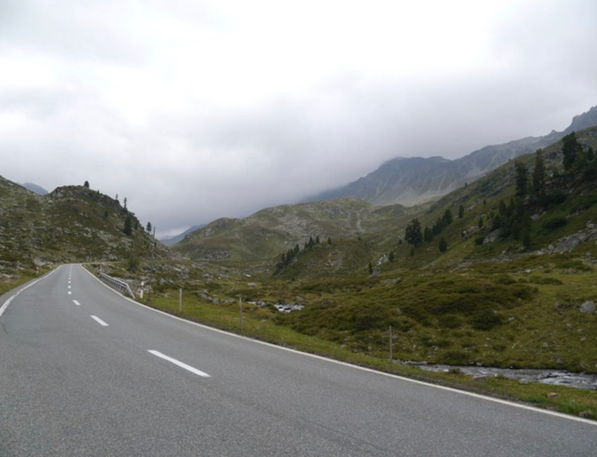Fluela Pass ahead with fog