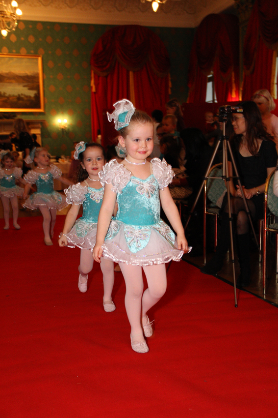 Mini Ballerinas Entrance