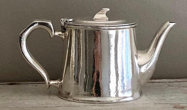 "HÔTEL Silver 1/2 PT 4.5"" Teapot - Hotel Silver"