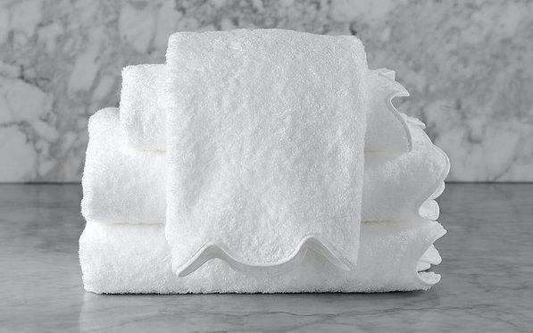 MATOUK Cairo Scallop Hand Towel - Monogramming Optional