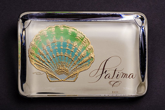 Custom Embossed Scallop Shell Monogram Name Glass Paperweight In Gift B