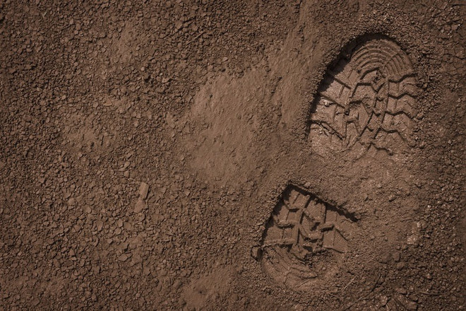 bootprint-mud_edited_edited.jpg